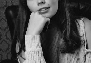 Brad Model Rebecca
